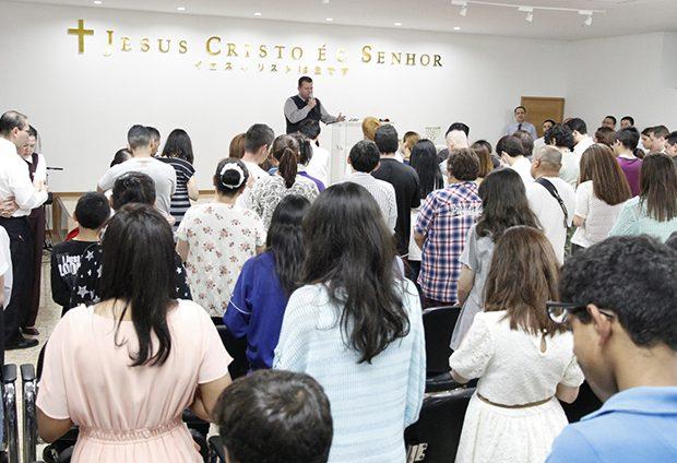 La concentración de fe y milagros marcó la inauguración del nuevo templo de la Universal en la ciudad.