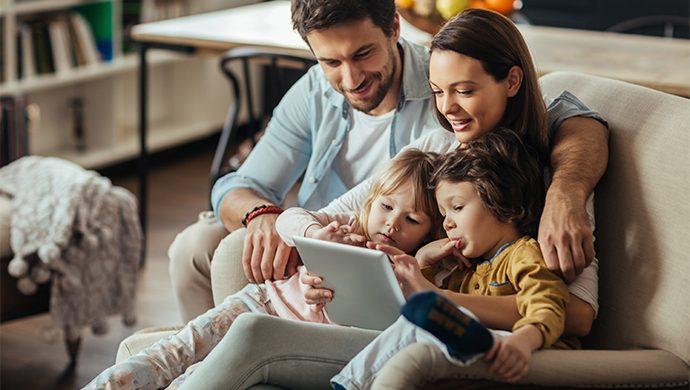 ¿Cuáles son los riesgos de exponer a su hijo en las redes sociales?