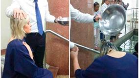 Andressa Urach es bautizada en la Universal de Porto Alegre