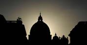 Sacerdotes jesuitas pagarán indemnización millonaria a víctimas de abusos