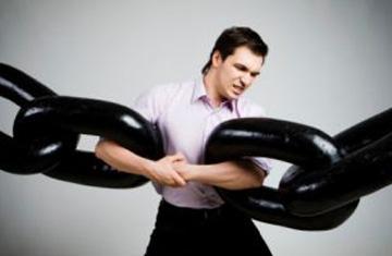 Viernes: rompa las cadenas que lo aprisionan al sufrimiento