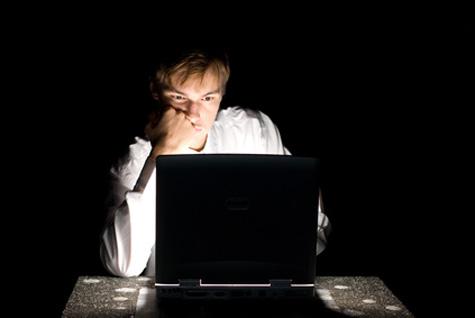 Adicción a internet, tan fuerte como al cigarro y alcohol