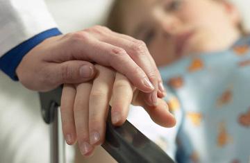 A su hijo le diagnosticaron una rara enfermedad