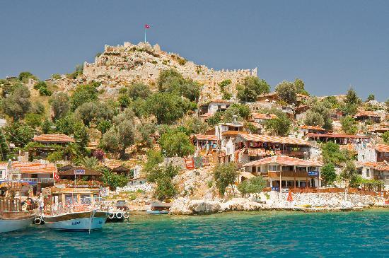 El gobierno turco devuelve propiedades a cristianos