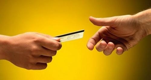 Creció casi un 40% el consumo familiar con tarjetas de crédito