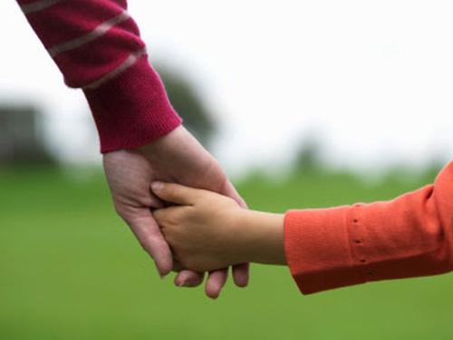 Hijos que no se despegan de los padres