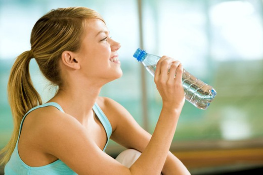 La deshidratación afecta el ánimo, según estudio