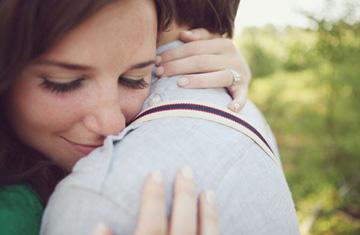 Pareja conquista, a través de la fe, una vida sentimental bendecida. Venga este jueves a la Terapia del amor