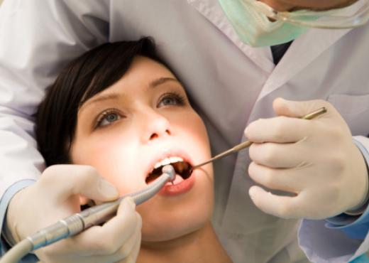 Mal cepillado dental provoca gingivitis