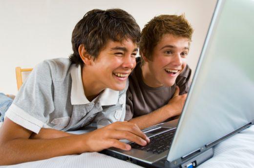 Jóvenes interconectados