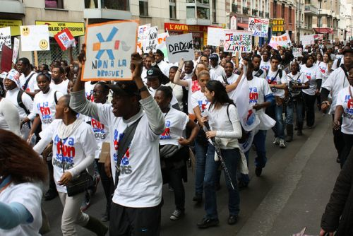 La Fuerza Joven de Francia emprendió una caminata contra las drogas