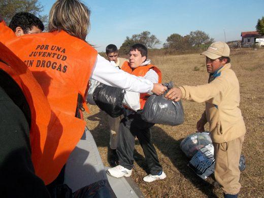 """La campaña """"Un abrigo por un amigo"""" de la Fuerza Joven"""