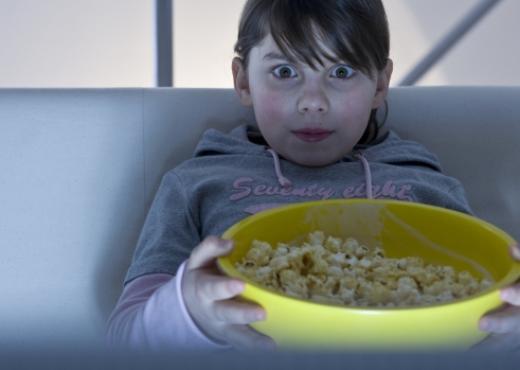 ¿Las novelas y las películas influyen en las actitudes de los niños?