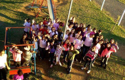 Voluntarias del Sisterhood visitan orfanato