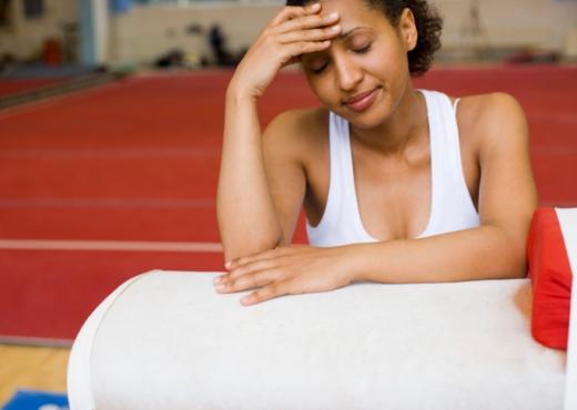La actividad física ayuda a evitar el dolor de cabeza