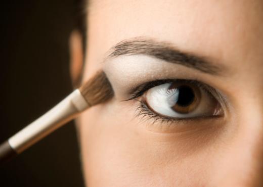 Maquillaje: aprende a usar el iluminador