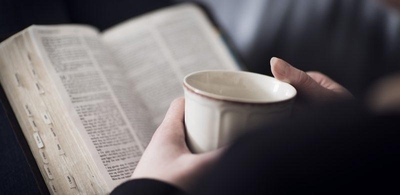 Menos del 20% de los cristianos lee la Biblia diariamente, dice un estudio