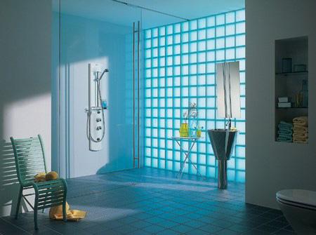 El cristal de pavés o ladrillo de vidrio en la decoración