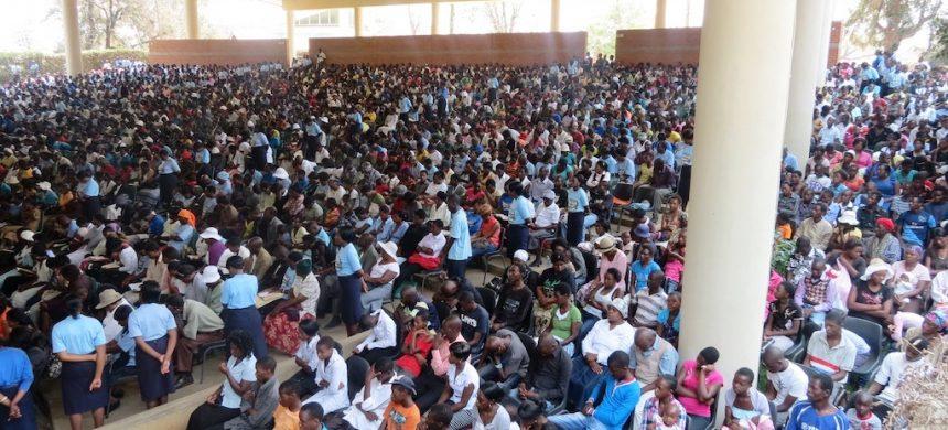 IURD en Zimbabue: mucho trabajo e intensa dedicación a la salvación