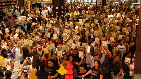 """""""Nada que Perder"""" bate un nuevo récord: más de 13 mil libros vendidos en Manaus"""