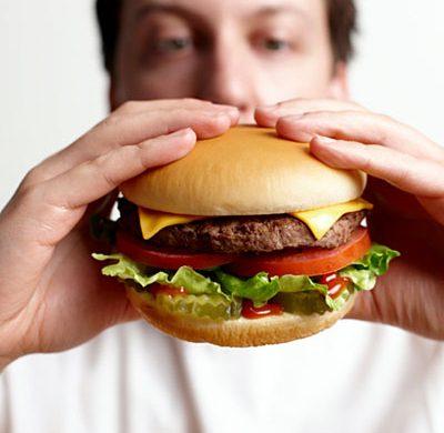 ¿Por qué la comida rápida engorda?