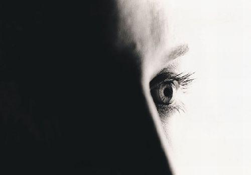 ¿Cómo dejar de vivir a la sombra de alguien?