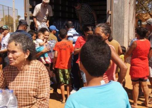 La Acción Social de la IURD ayuda a quien sufre con la sequía en Bahía
