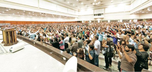 Participe del Santo Culto este domingo