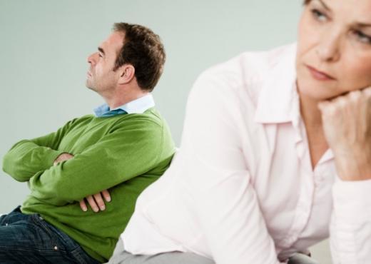 La mujer puede sentirse humillada sin la atención y el cariño de su compañero