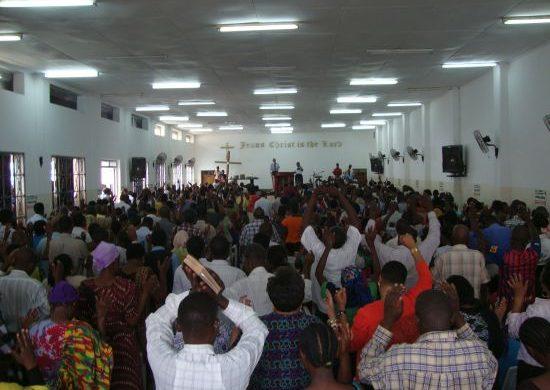 Tanzania es presentada al Dios de la Creación