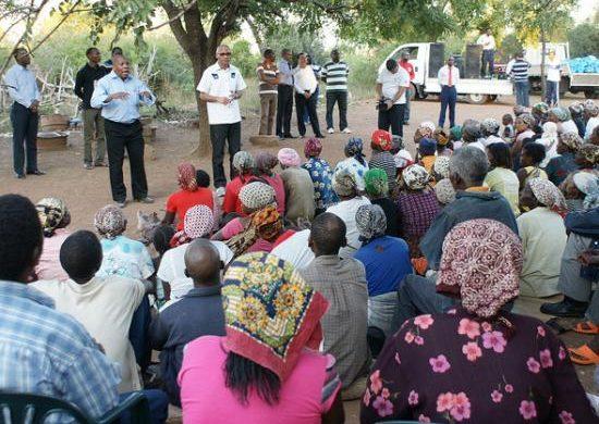La Universal visita una aldea en Mozambique
