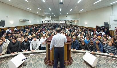 Gran concentración de fe y milagros en Berazategui