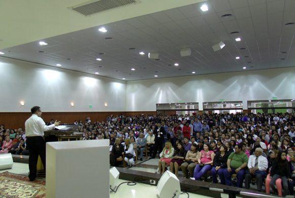 Gran inauguración y concentración de fe en la Universal de Comodoro Rivadavia
