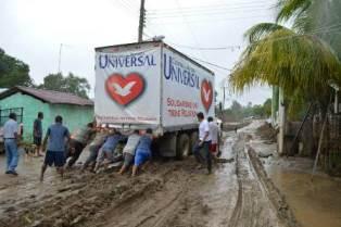 La Universal ayuda a las víctimas de la tragedia natural en México