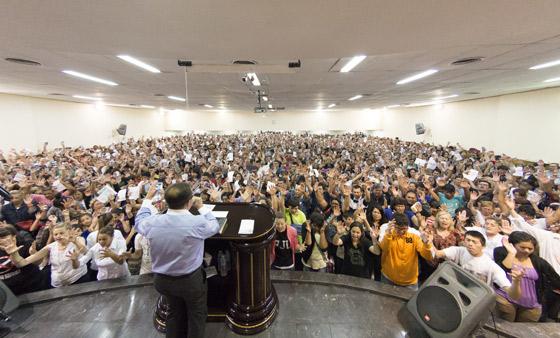 Concentración de fe en La Plata