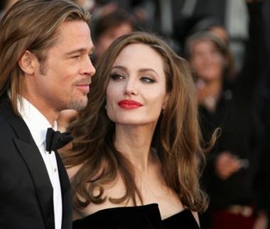 Angelina Jolie sufriendo de mal de jennifer