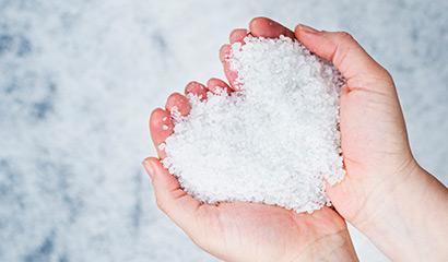 El significado de la sal usado en la Iglesia
