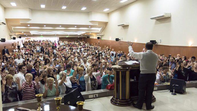 Reunión de milagros en Caseros