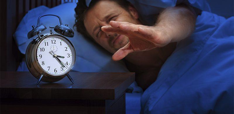 Dormir poco puede lesionar el cerebro