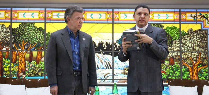 El Presidente de Colombia visitó la Universal