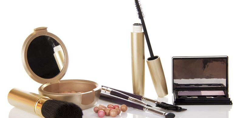 El desafío de usar pinceles de maquillaje