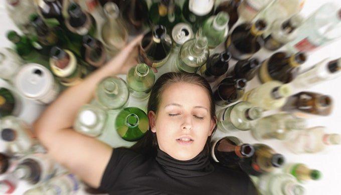 Mujeres: crecen las consultas por adicciones