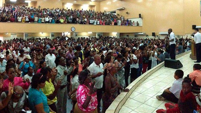 Sepa cómo la Universal hace reaccionar a los guayaneses