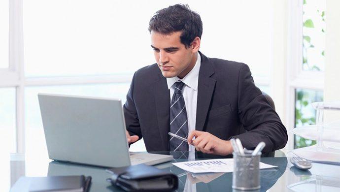 ¿Cómo destacarse en el ambiente profesional?