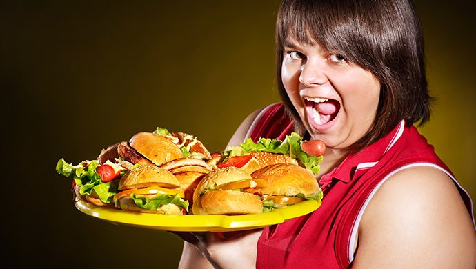 Ansiedad vs. Comida: sepa cómo vencer la compulsión