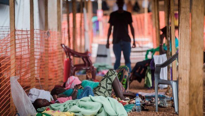 Cuando el miedo al ébola genera hostilidad y discriminación