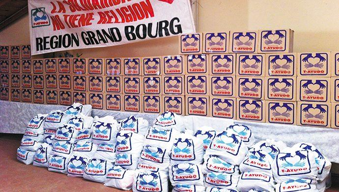 T-Ayudo: una tonelada de alimentos y 1000 prendas en Grand Bourg