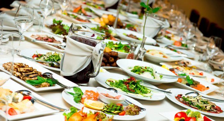 ¿Cómo limpiar el organismo después de comer mucho en las fiestas de fin de año?