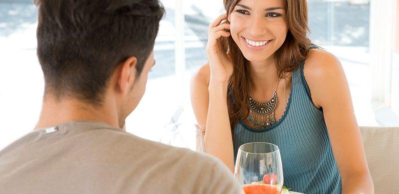 ¿Debo comenzar un noviazgo con alguien que piensa diferente?