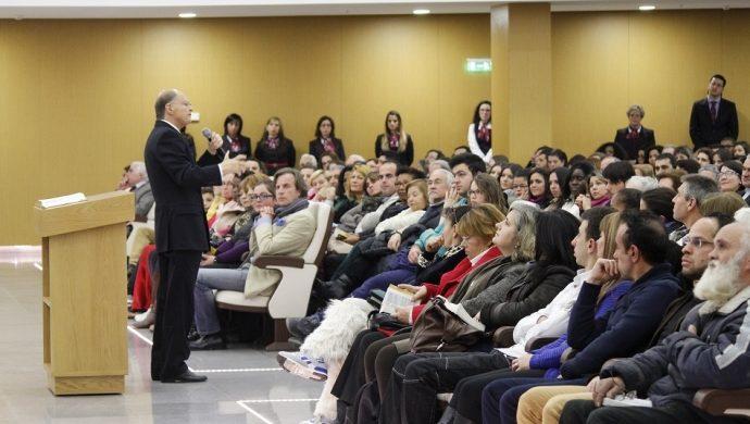 El obispo Macedo realizó una reunión especial en Gaia